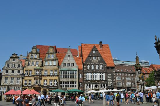beautiful markplatz shops bremen germany picture of marktplatz bremen tripadvisor. Black Bedroom Furniture Sets. Home Design Ideas