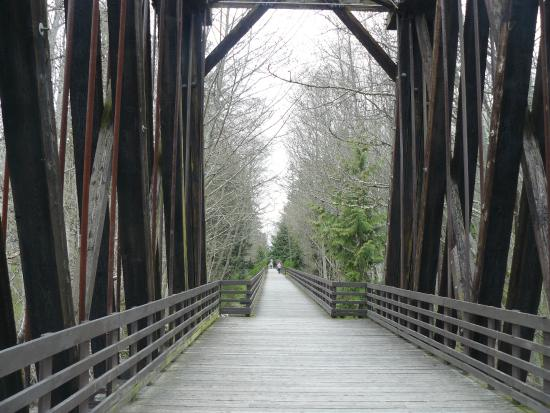 Sequim West Inn & RV Park: Dungeness River Trestle on Olympic Discovery Trail