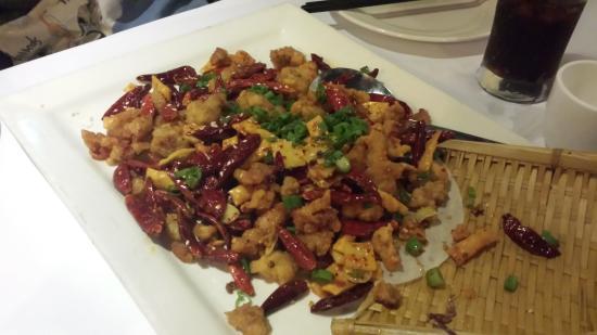 La Vie En Szechuan: Spicy chicken with dough twist