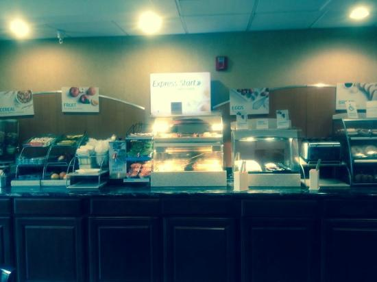 Holiday Inn Express Breaux Bridge (Lafayette Area): Nice selection