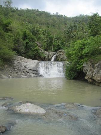 Klaten, Indonesia: Waterfall...curug...Bayat