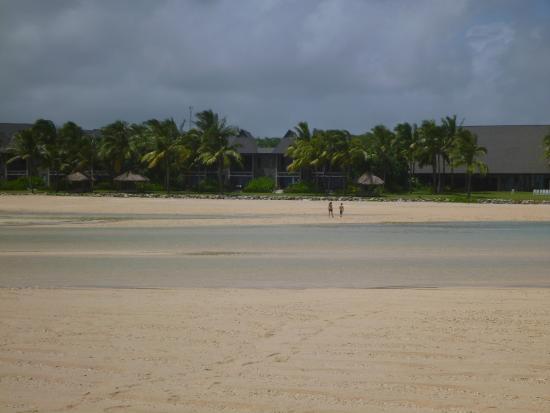 Natadola Beach : looking back at the resort