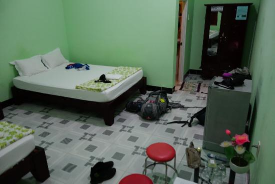 Diem Lien Guesthouse : Our room, it was really nice! It looks better that it seems like. Nice room with fridge, nice ba