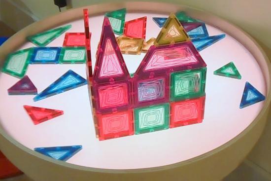 Wonderfeet Kids Museum: Magnetic Shapes On Colored Light Table