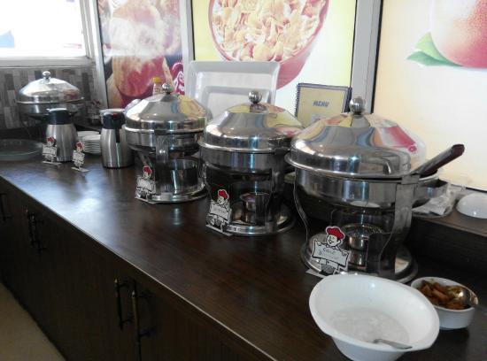 FabHotel Mohan International Paharganj: Breakfast