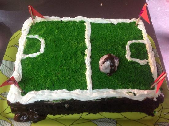 Ti Amo Ktm Pizzeria: football field cake