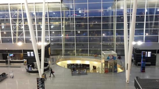 Park Hotel Diament Wroclaw: Aeroporto di Wroclaw