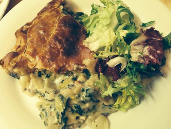 Museum St Cafe: Leek and potato in white wine Pie