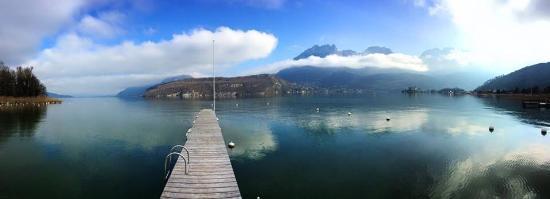Hotel Clos Marcel : Vue sur le lac