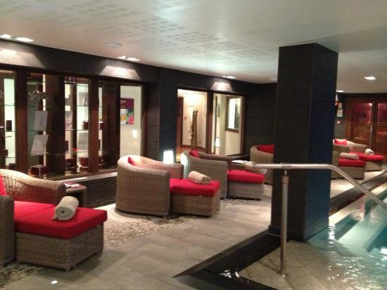 Hotel Manali : Piscine