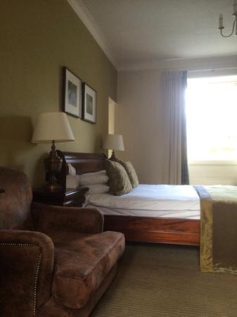Scotland's Hotel & Spa : Executive Queen bed room annexe in old bank building