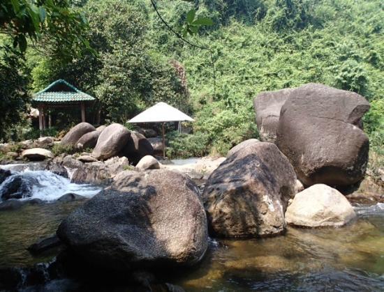 Vietnam Spirit Travel Day Tours: beautiful springs
