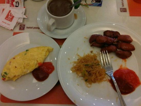 Hotel Pangeran : breakfast
