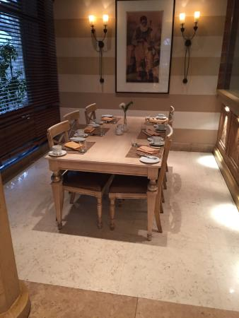 Fayrouz Lebanese Restaurant : Private cabinet