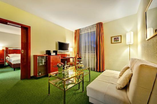 Hotel Kaiserhof: Wohnbereich Suite