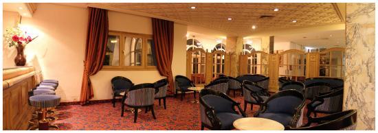 Marhaba Beach Hotel: Marhaba Beach  main bar
