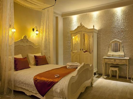 Mood Design Suites: Our Rooms & Suites