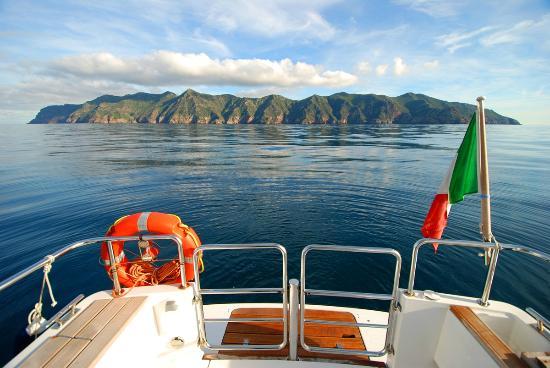 Capraia Isola, إيطاليا: Profilo dell'Isola di Capraia