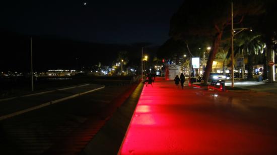 night time promenade picture of la croisette cannes tripadvisor. Black Bedroom Furniture Sets. Home Design Ideas