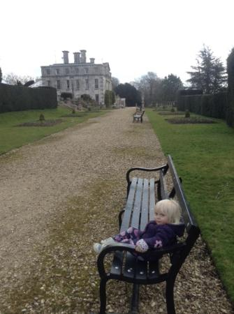 Kingston Maurward Park and Gardens: flat walkways to the main house