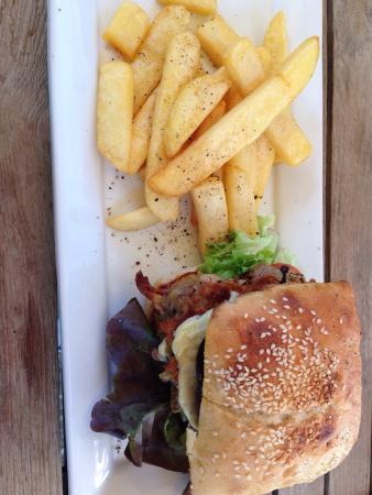 Halo : Chickpea & kumara burger. Yum vego or not.