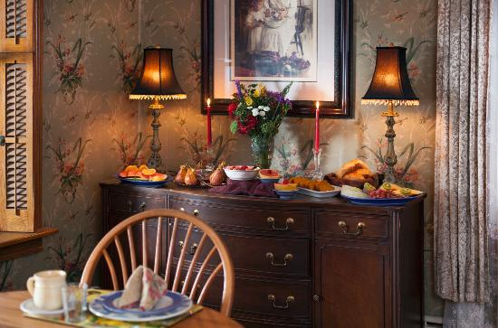 Harvest Moon Bed and Breakfast: Dining Room