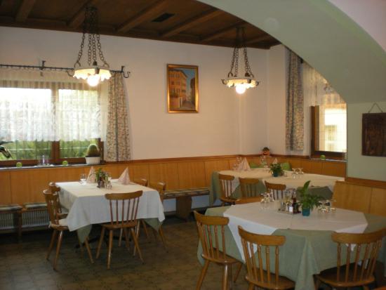 Gasthaus Schwarzer Adler Kaltern An Der Weinstrasse Restaurant Bewertungen Telefonnummer Fotos Tripadvisor
