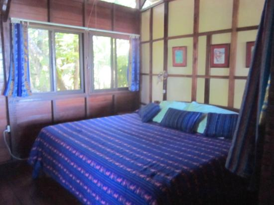 Pacific Edge: bungalow bedroom