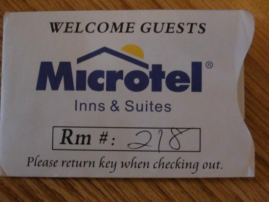 Microtel Inn & Suites by Wyndham Albuquerque West: Room