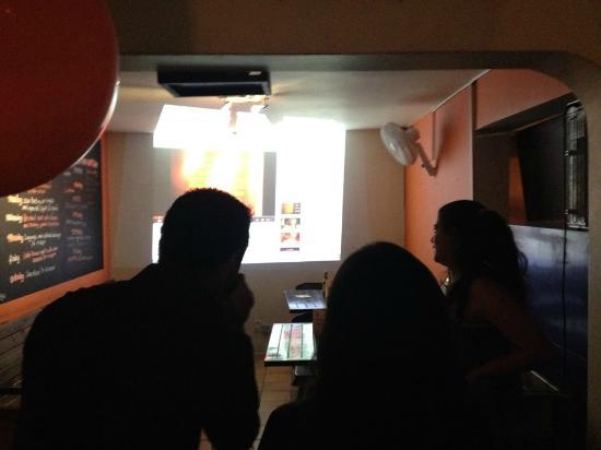 Tiger Paw Hostel: Karaoke