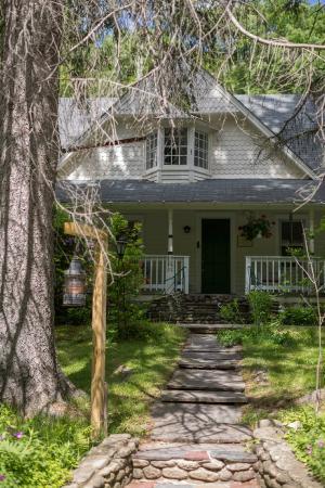 Oliverea, estado de Nueva York: Front of lodge