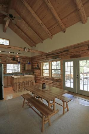 DiamondStone Guest Lodges: dining room and kitchen