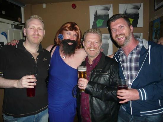 Bar Gay en City of Bristol - Guía de Lugares Gay en