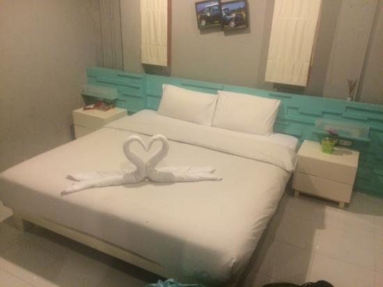 The Oddy Hip Hotel: Rum för två- skön säng!