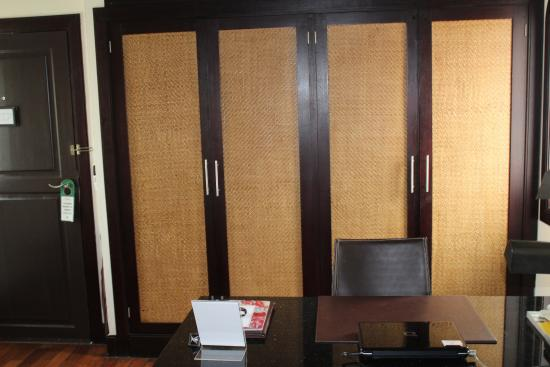 Ansara Hotel: Desk and Closets in Living Room