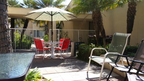 Hotel Pacific Garden: Patio