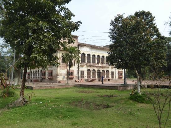 Rambagh Gardens: The principal palace.