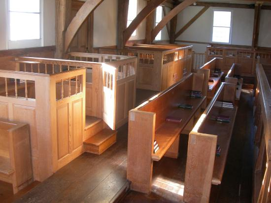 The Historic  1717 Meetinghouse: Pens & Pews