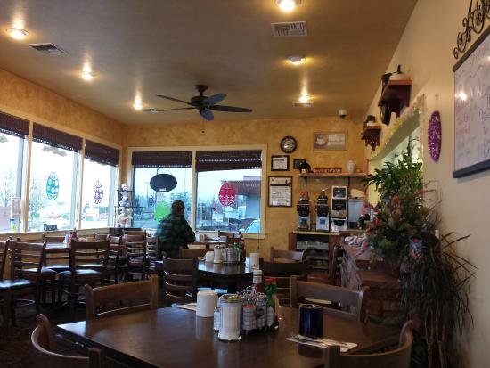 Momma Janes Pancake House : Interior