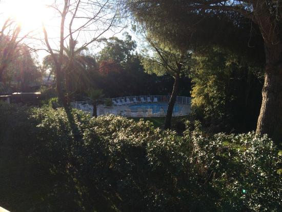 Campanile Cannes Ouest - Mandelieu: Une piscine gretuite et accueillante