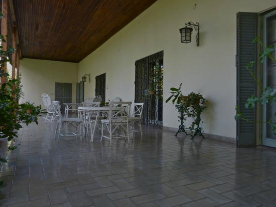 Bodega Cavagnaro: The terrace at the Big House
