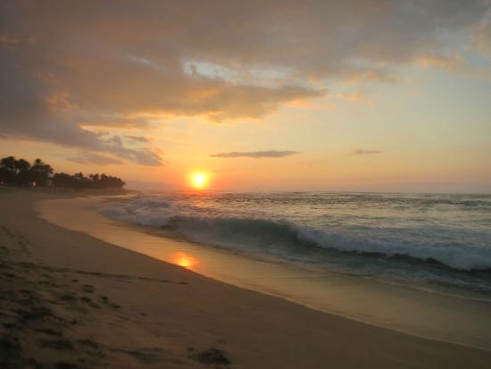 Kalani Hawaii Private Lodging: Sunset at Sunset Beach.