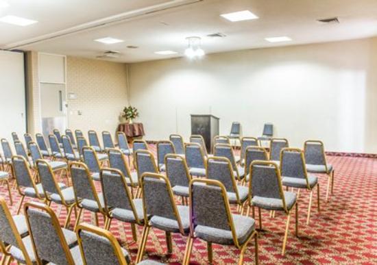 Econo Lodge & Suites : Meeting Room