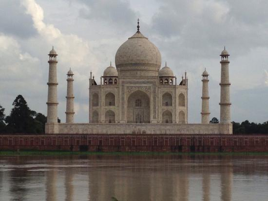 Taj Mahal: Taj from Mehtabbagh. It is one of the best view of the structure. It is worthwhile taking a deto