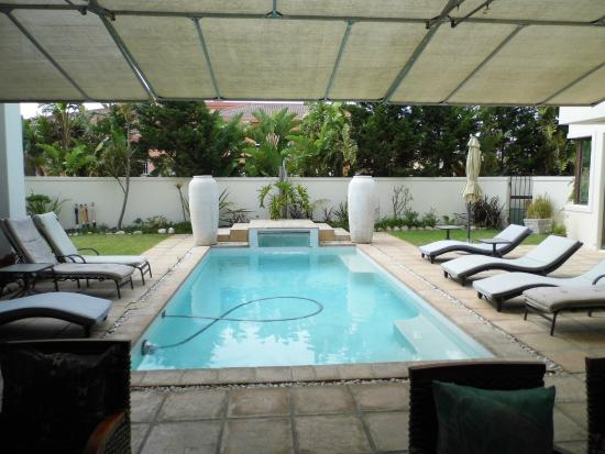 Atlantic Waves Guest House: Pool Area