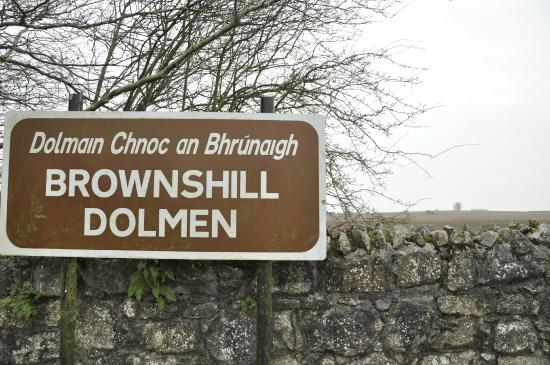 Brownshill Dolmen : Landmark sign posted in the car park