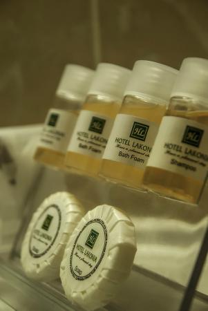 Lakonia Hotel : Bathroom amenities