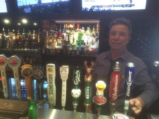 Lions Pub: Best Barman ever