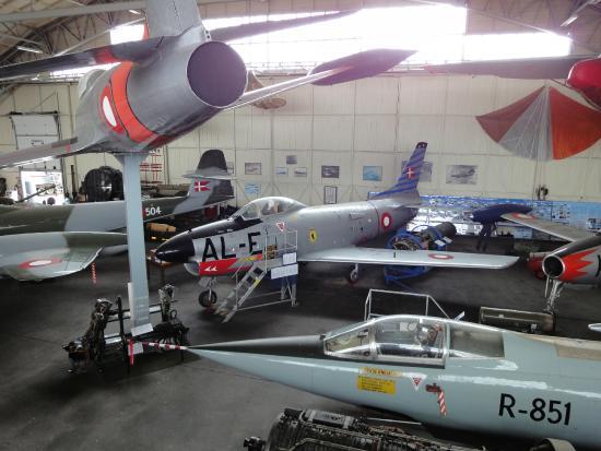 Aalborg Forsvars Og Garnisonsmuseum : Flytyper brugt af den danske Flyvevåben