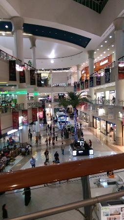 Al Wahda Mall: Mall